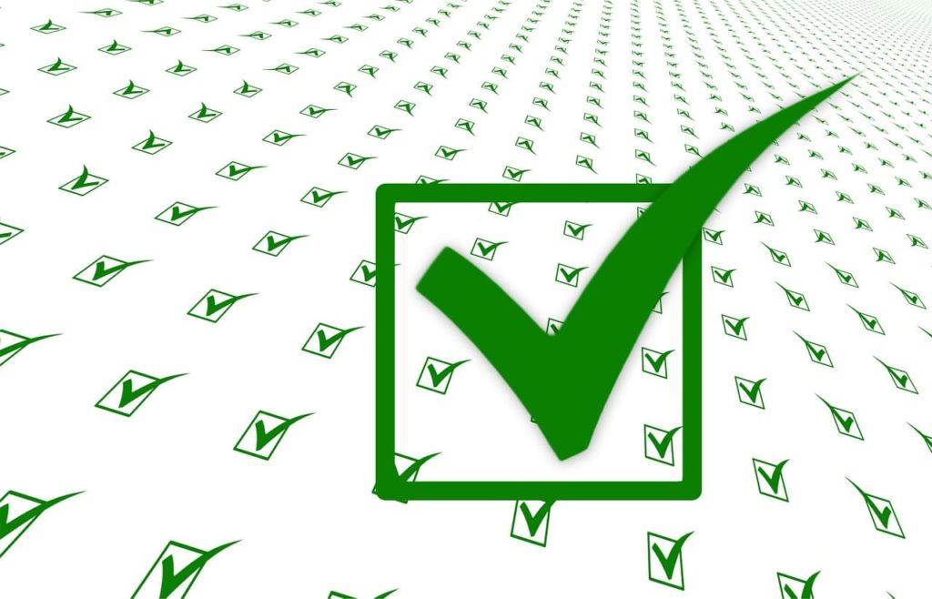 Selbstbewusstsein oder Selbstverständlichkeit - Grüner Haken - Wir haken Erfolge immer sofort ab