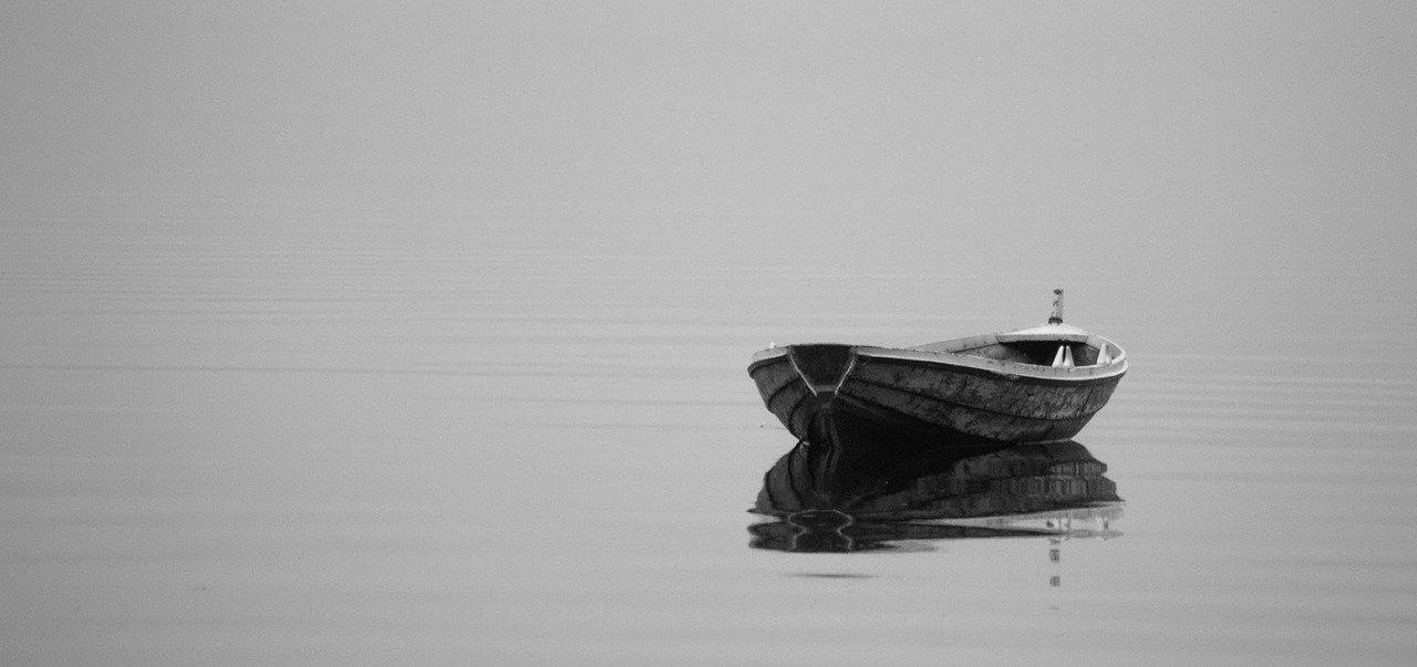 Ohne Stress Zeitmanagement verbessern - Bild eines Bootes auf einem See