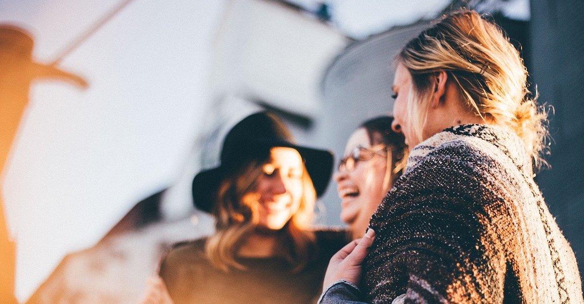 Bild von glücklichen Frauen - Zugehörigkeit